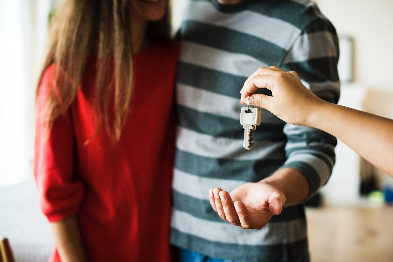 Building a New House vs Buying Resale: Which Should You Choose?